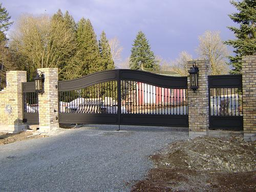 Custom made residential aluminum gate with automation