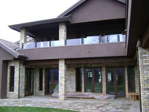 Glass aluminum frame deck railings